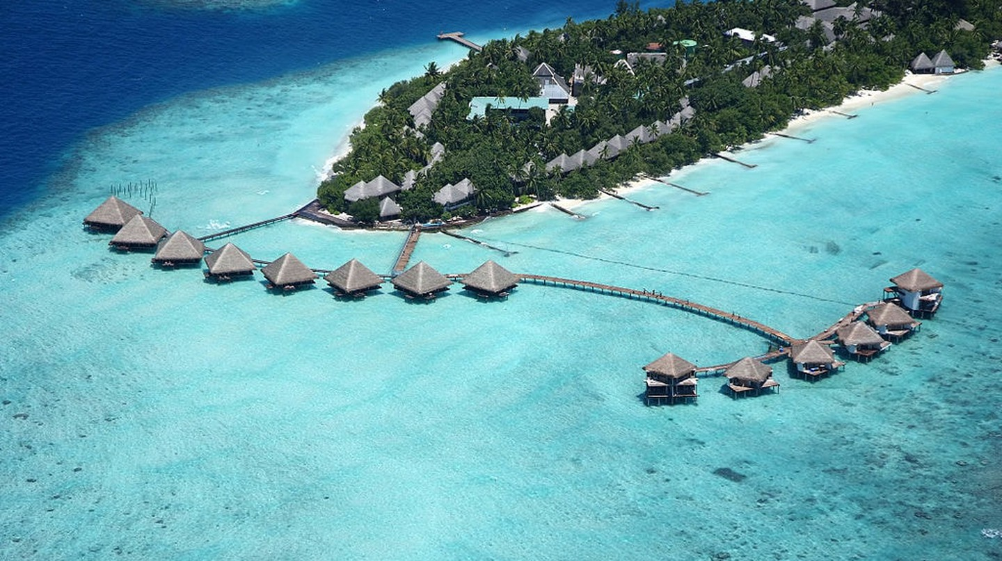 Adaaran Club Rannalhi is one of the island resorts you can visit on a day trip.