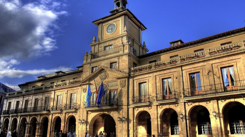 Ayuntamiento, Oviedo, Asturias