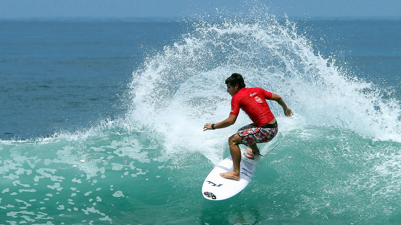 Montanita waves