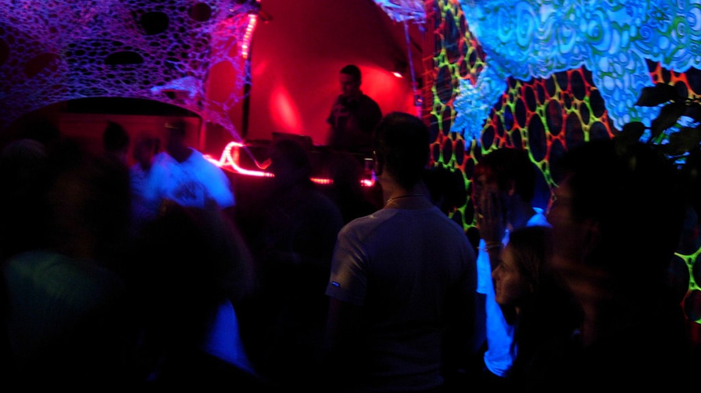 Underground party in Berlin | © ax11/Flickr