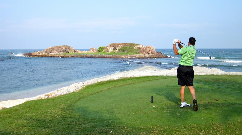 Golfer in Punta Mita