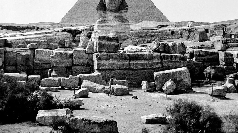 Ancient Sphinx and Pharaoh Khufu's Great Pyramid at Giza, Egypt