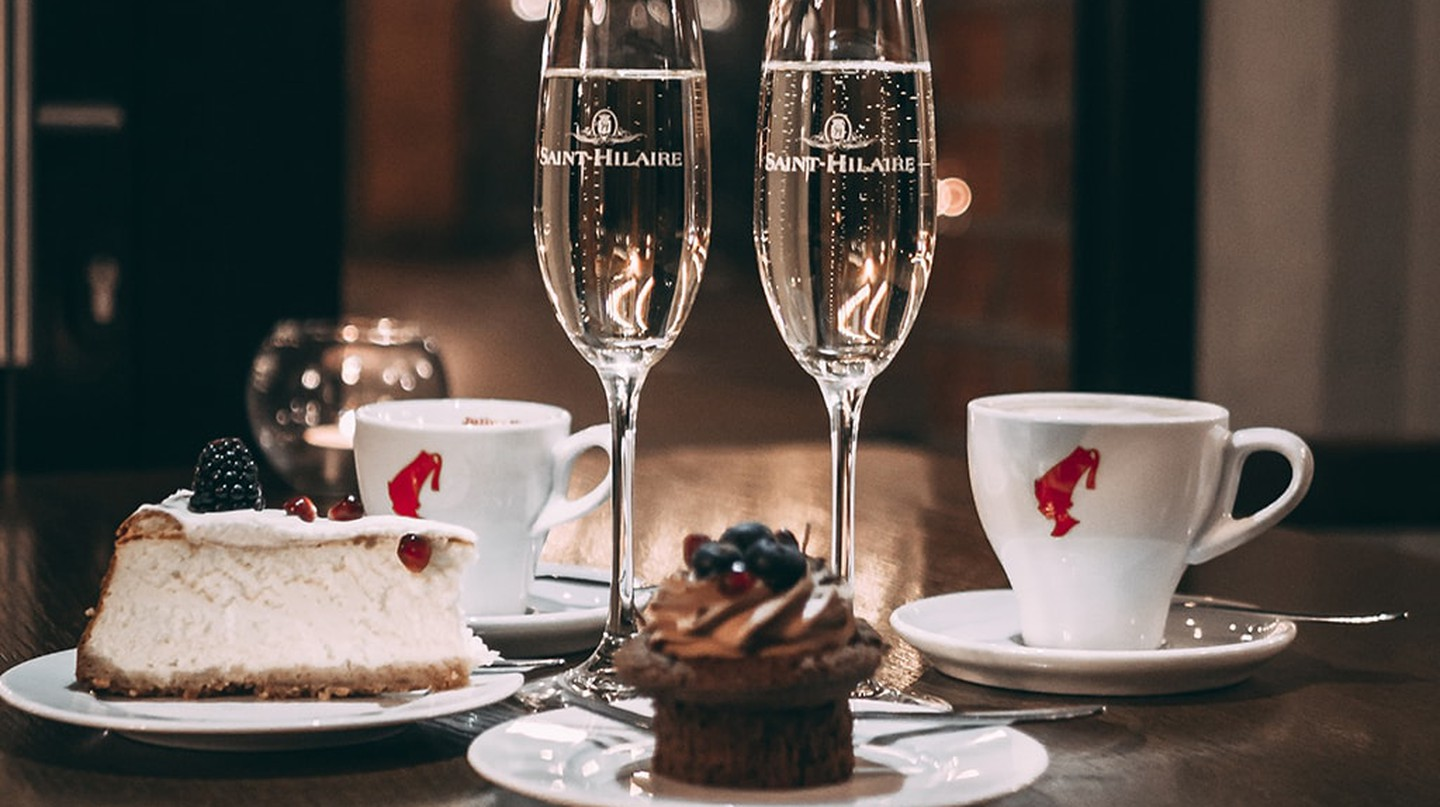 Dessert and bubbly for two