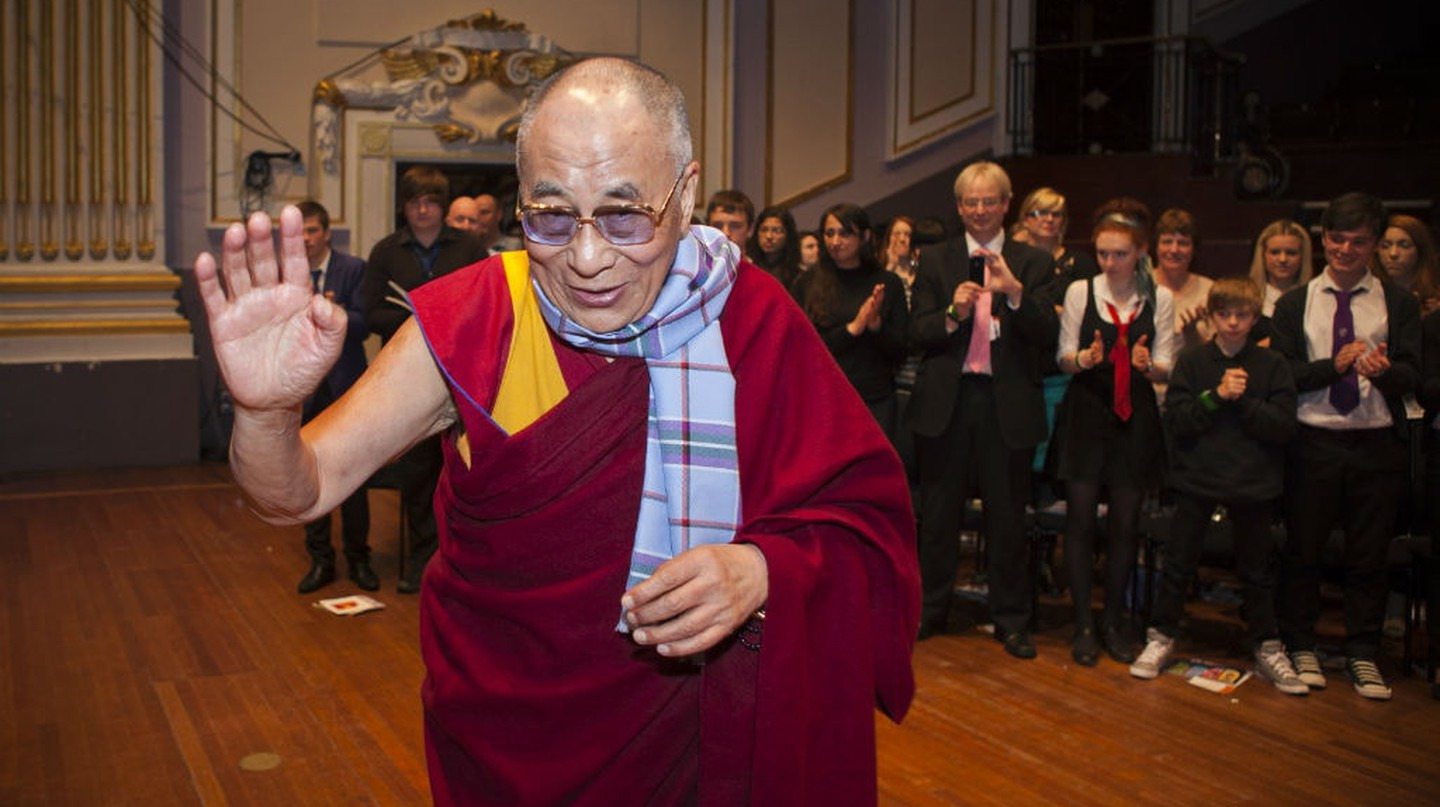 His Holiness The Dalai Lama Receiving The First World Peace Tartan Scarf, Scotland