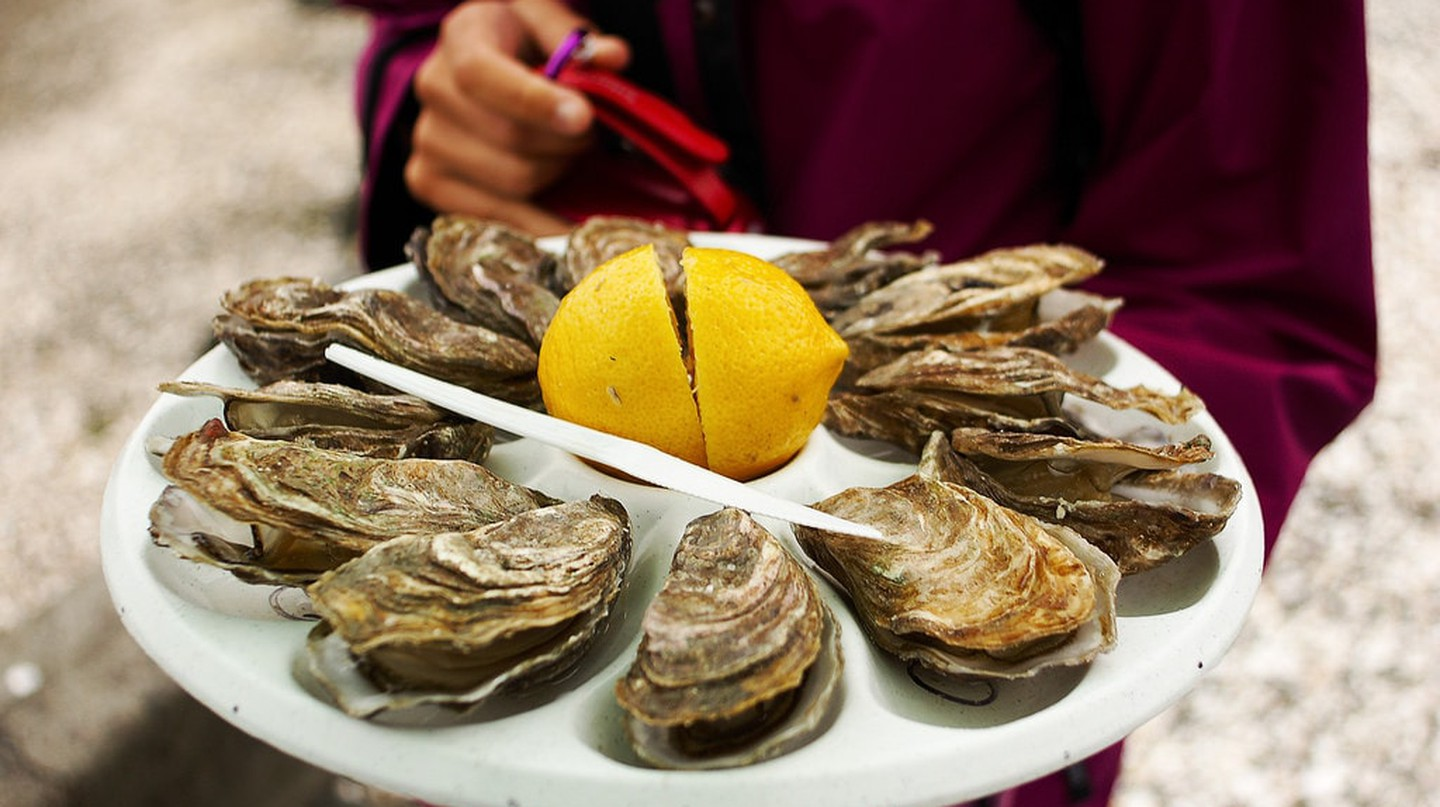Oysters from Cancale with lemon