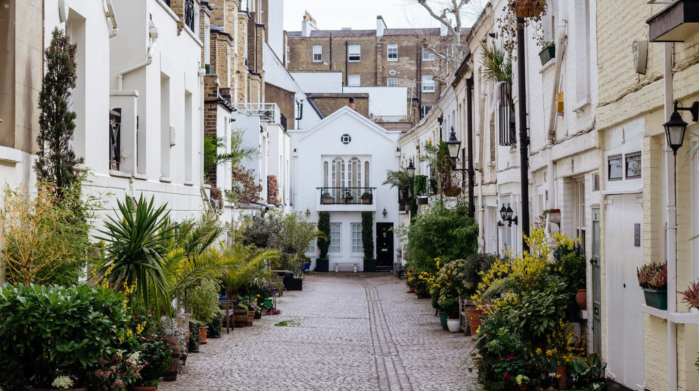 Stanhope Mews South