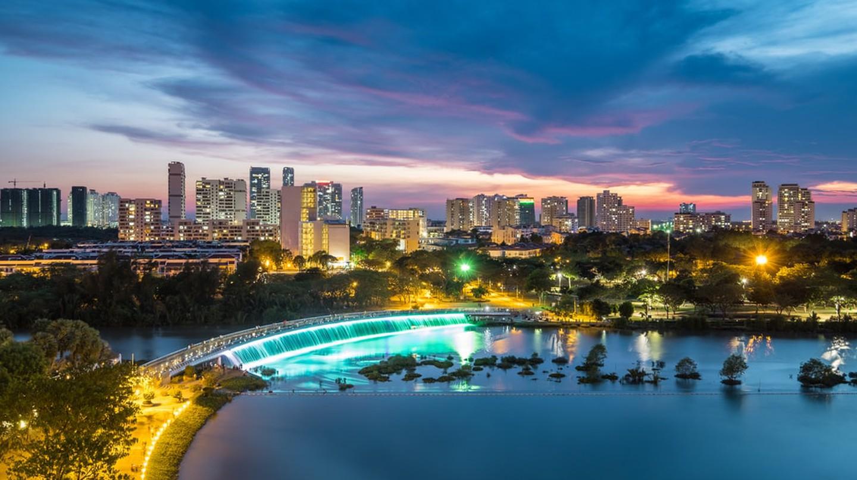 Golden hour over District 7  © TonyNg / Shutterstock