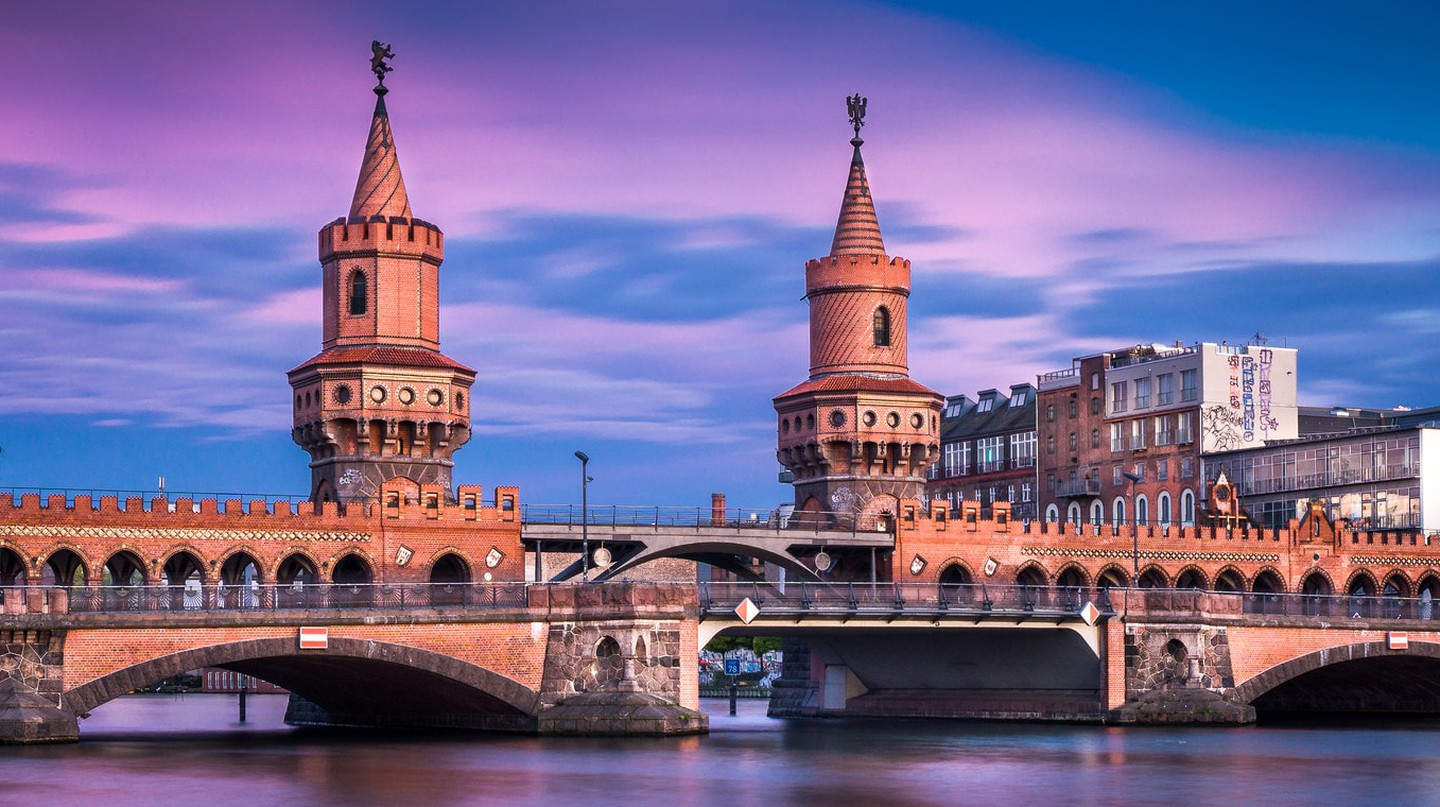 Oberbaumbrücke Berlin is an iconic Kreuzberg sight | © Thomas/ Flickr