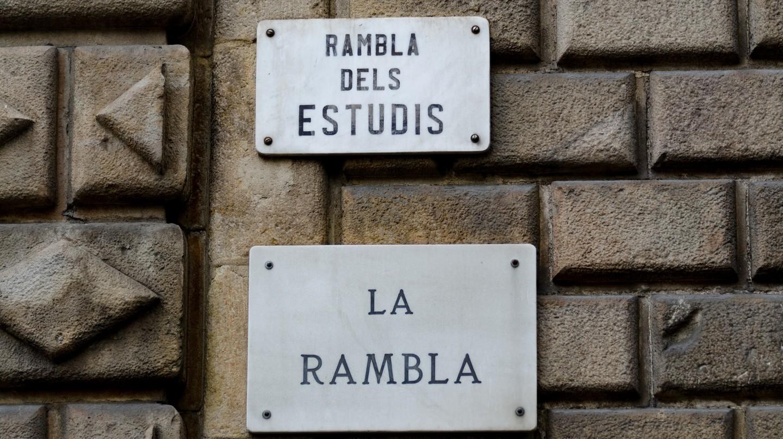 La Rambla sign in Barcelona © xiquinhosilva
