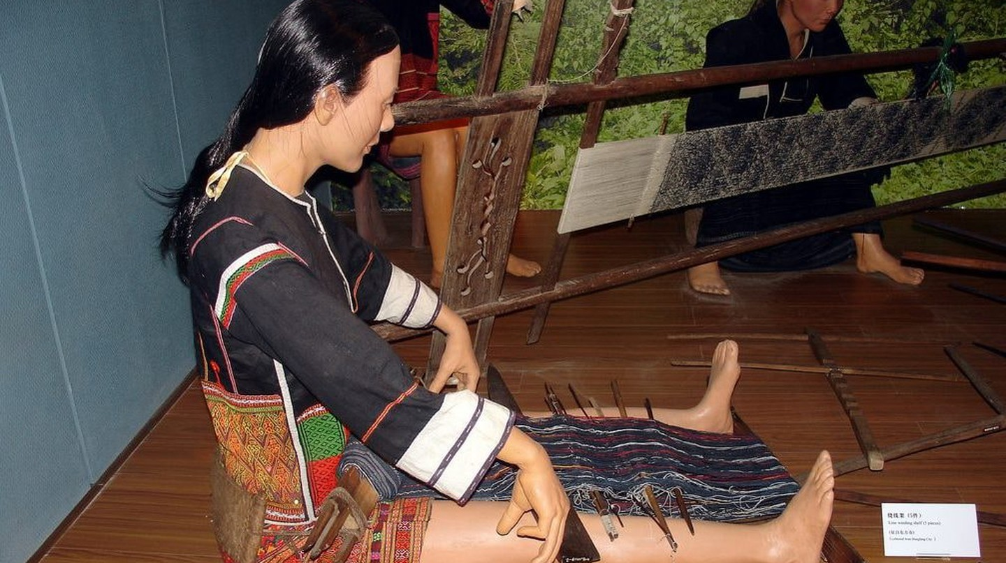 Representation of a Li woman weaving. Hainan Museum of Intangible Cultural Heritage