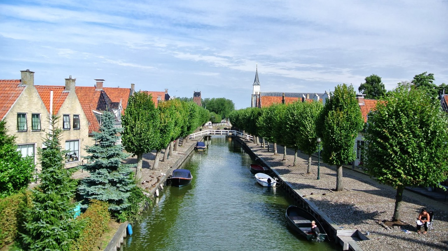 Sloten in Friesland has 715 residents, but it's still considered a city