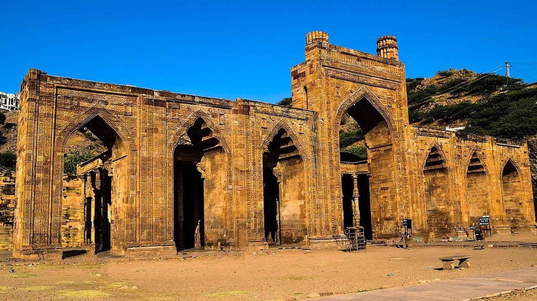 Adhai Din Ka Jhopra, a mosque in Ajmer