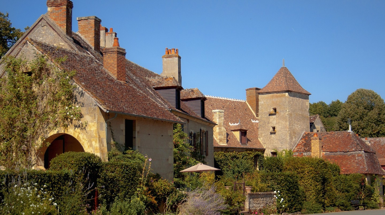 The pretty village of Apremont-sur-Allier