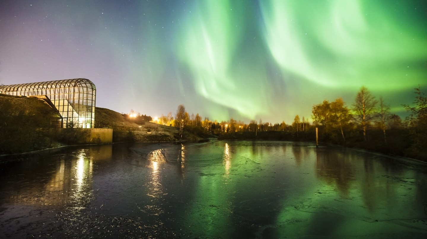 The northern lights shining over Arktikum.