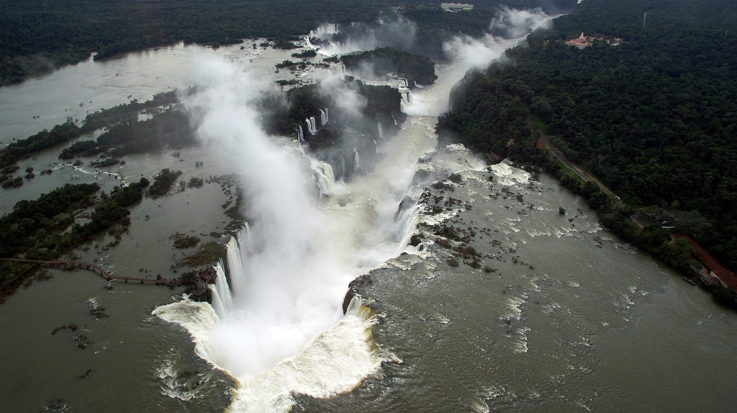 The Iguazu Gap from above