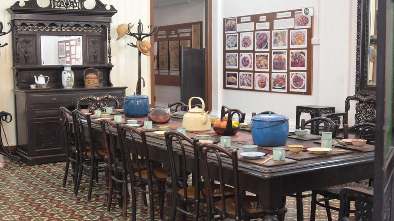 Dining Hall inside Han Chin Pet Soo