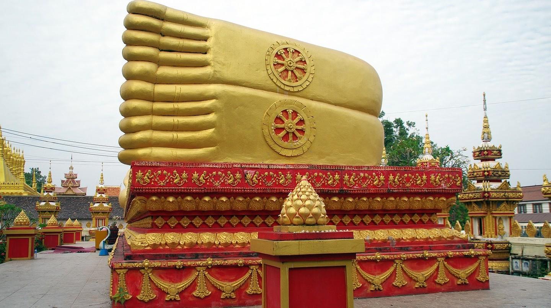 Buddha feet