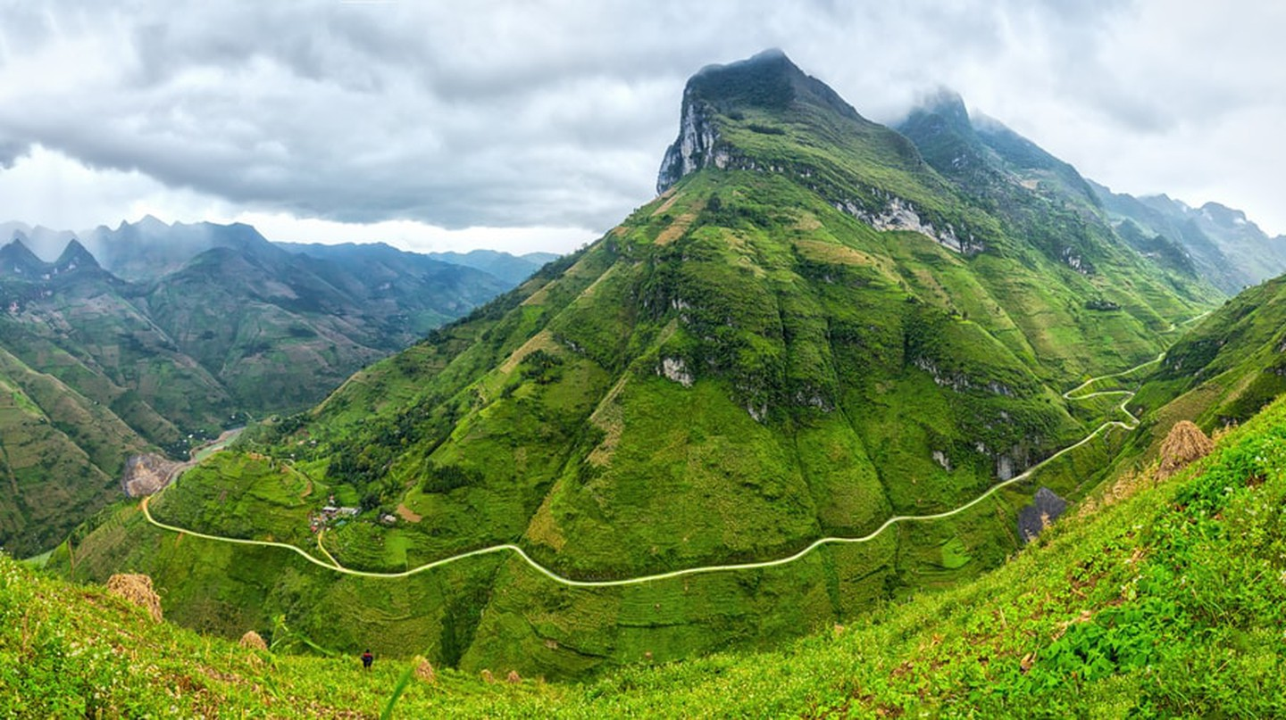 Heavenly views from Ma Pi Leng Pass, Ha Giang. |©Thoai/Shutterstock