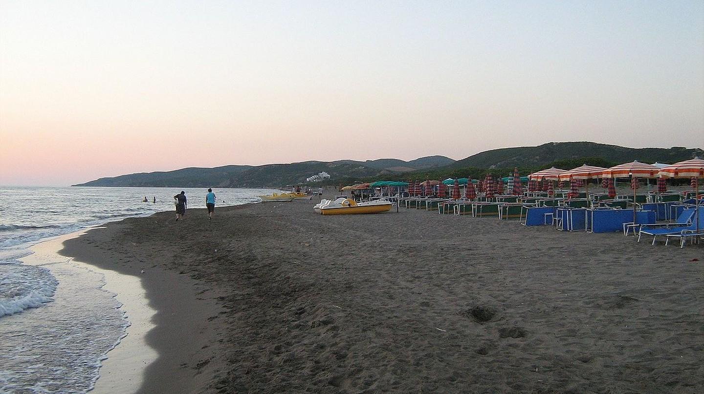 Spille Beach at sunset