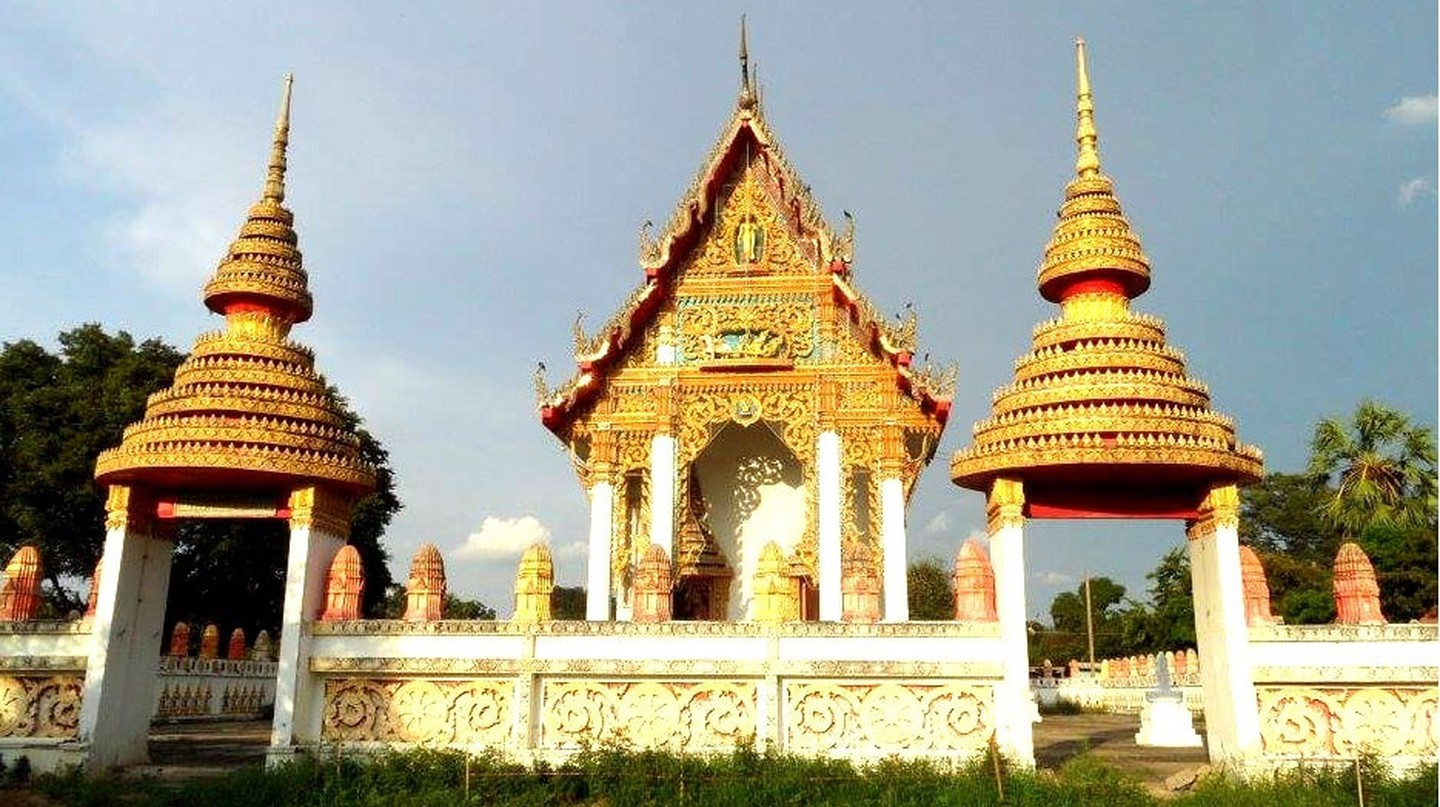One of Singburi's beautiful temples | © Sarah Williams