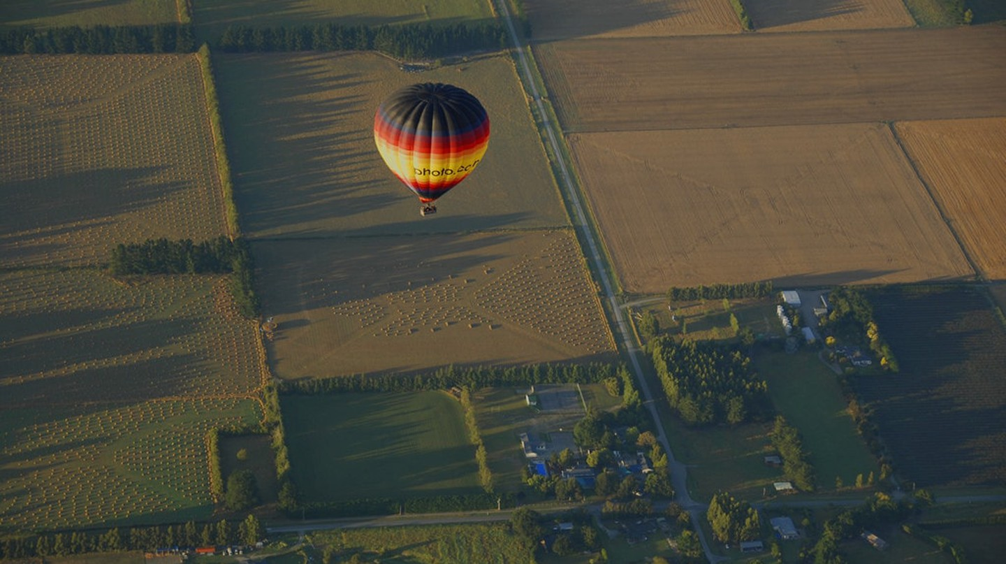 Flying over the Canterbury Plains with Ballooning Canterbury