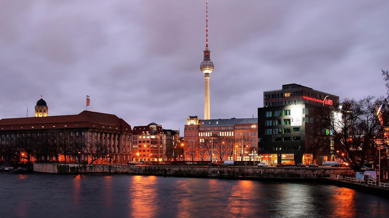 A view of Berlin at night | © Jorge Franganillo / Flickr