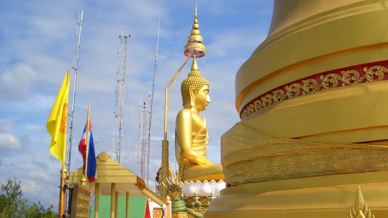 Golden Buddha image in Krabi | © Reinhard Link / Flickr