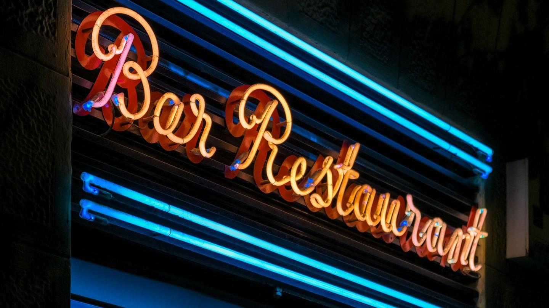 Bar restaurant sign © Jorge Franganillo