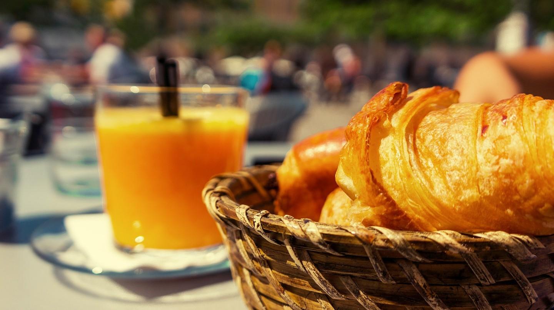 Breakfast spot in the sun