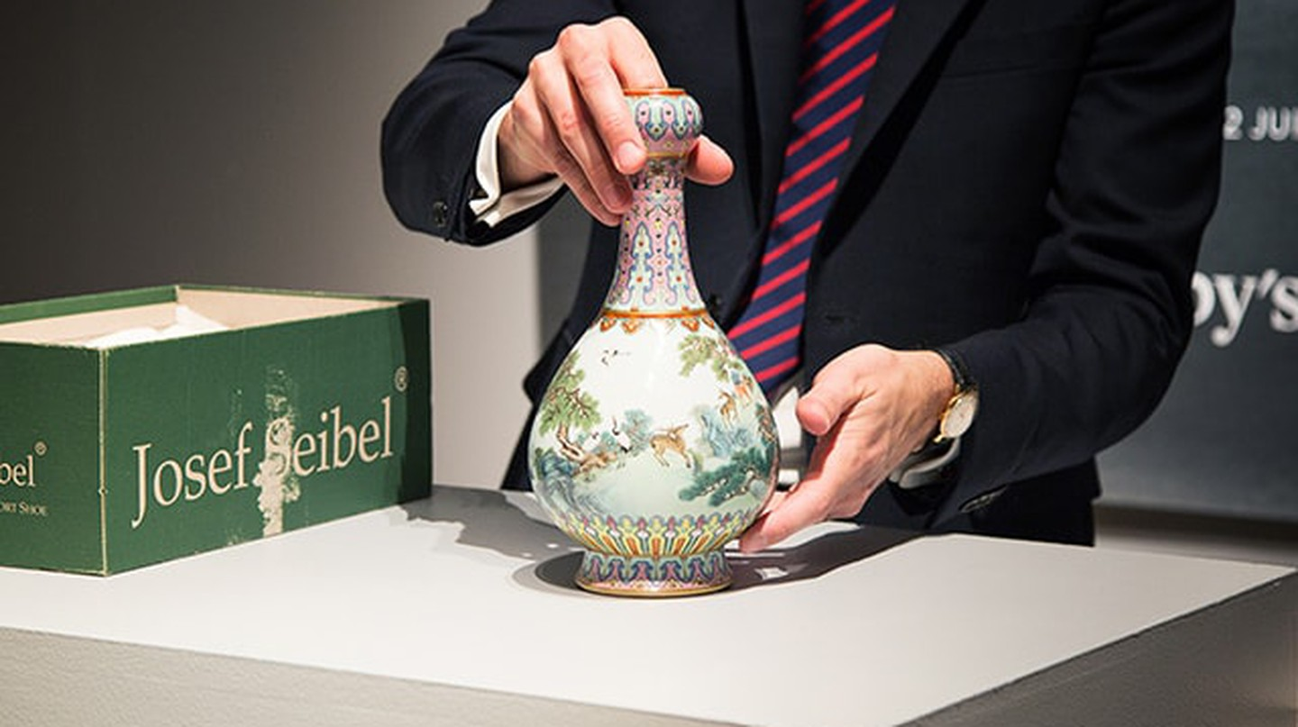 Chinese Vase Found in Shoebox Sells for £14.2m