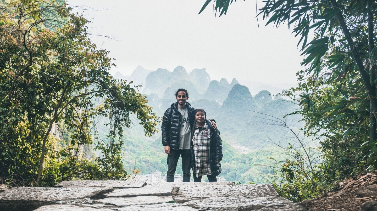 Creson and his grandma in Yangshuo, China | © Nathanel Creson