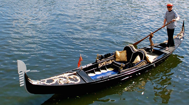 Gondola in Stratford-upon-Avon | © Avon Boating Ltd