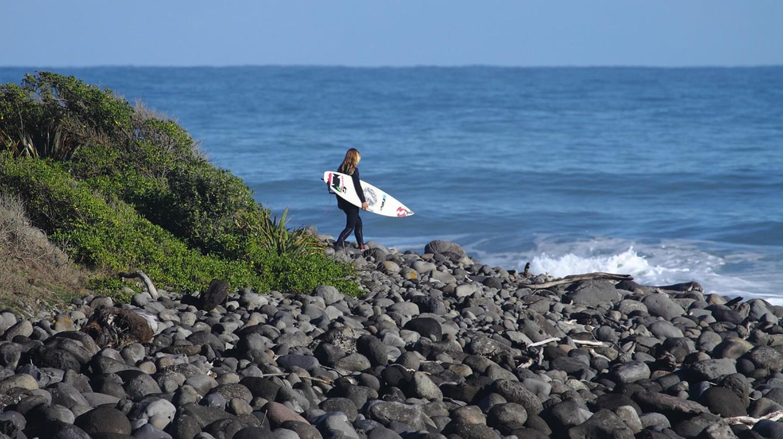 'Naki Surf