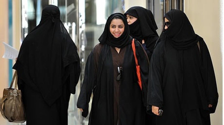 Saudi women walking in a mall in Jeddah, Saudi Arabia