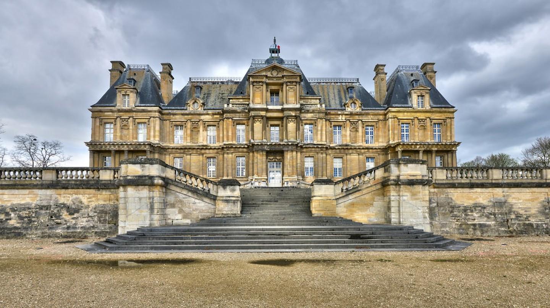 Maisons Laffitte, France  © Pack-Shot / Shutterstock