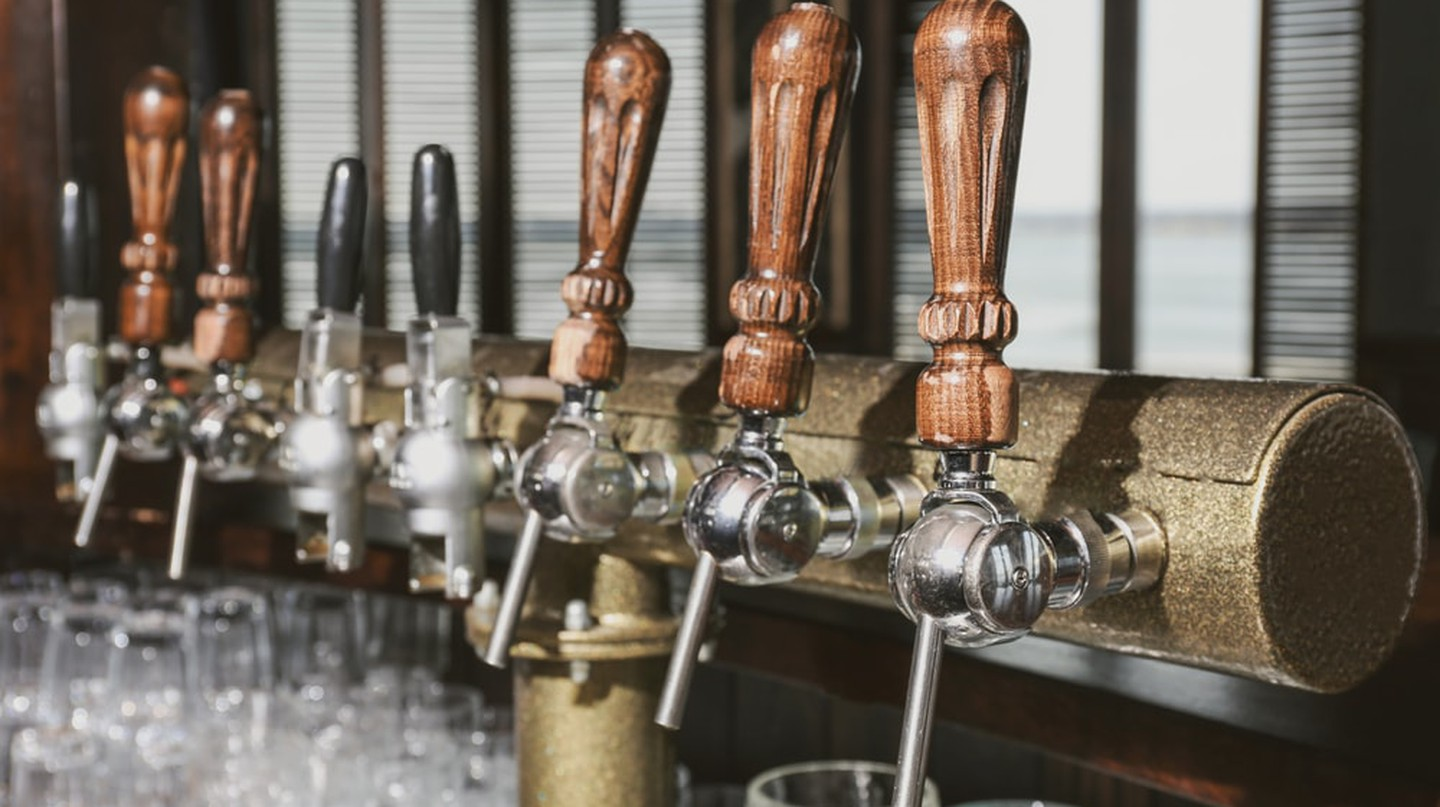 Draft beer taps