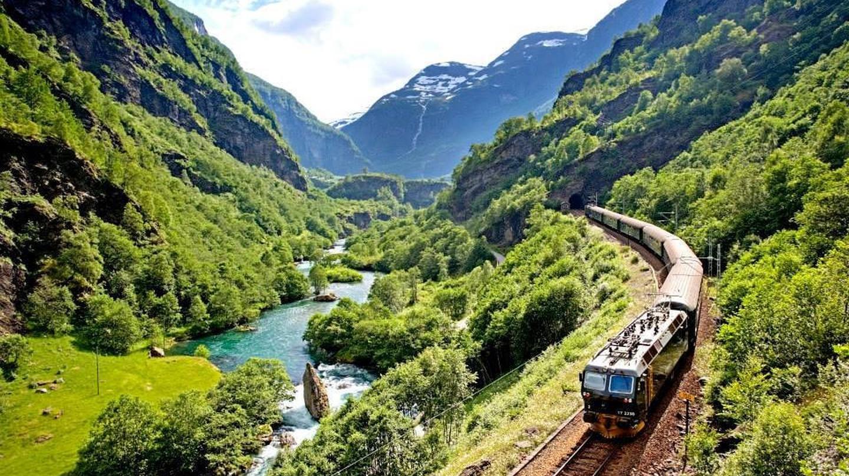 The iconic Flåm railway
