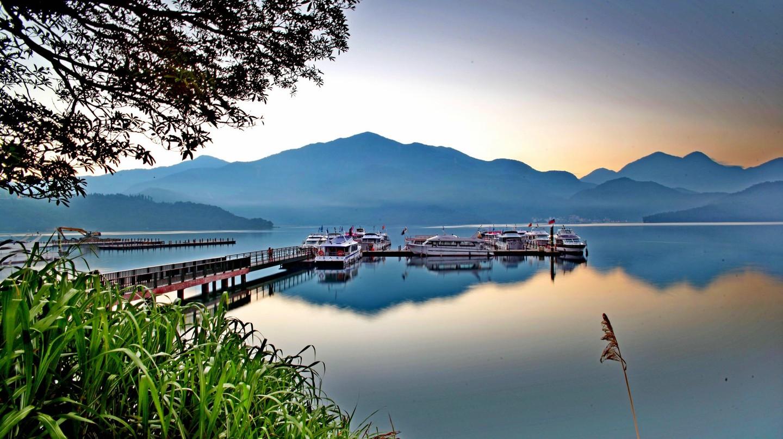 Spectacular Sun Moon Lake | © Eddy Tsai / Flickr