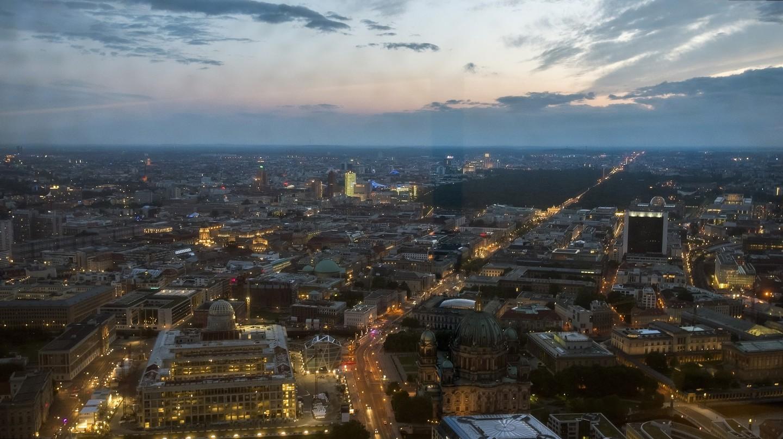 A view of Berlin skyline at night | © Alexander Cahlenstein / Flickr