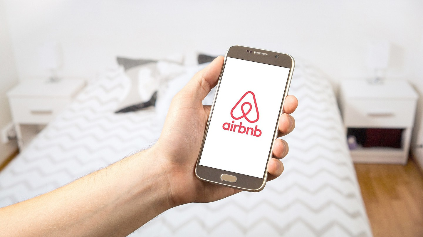 Sleeping for cheap with Airbnb