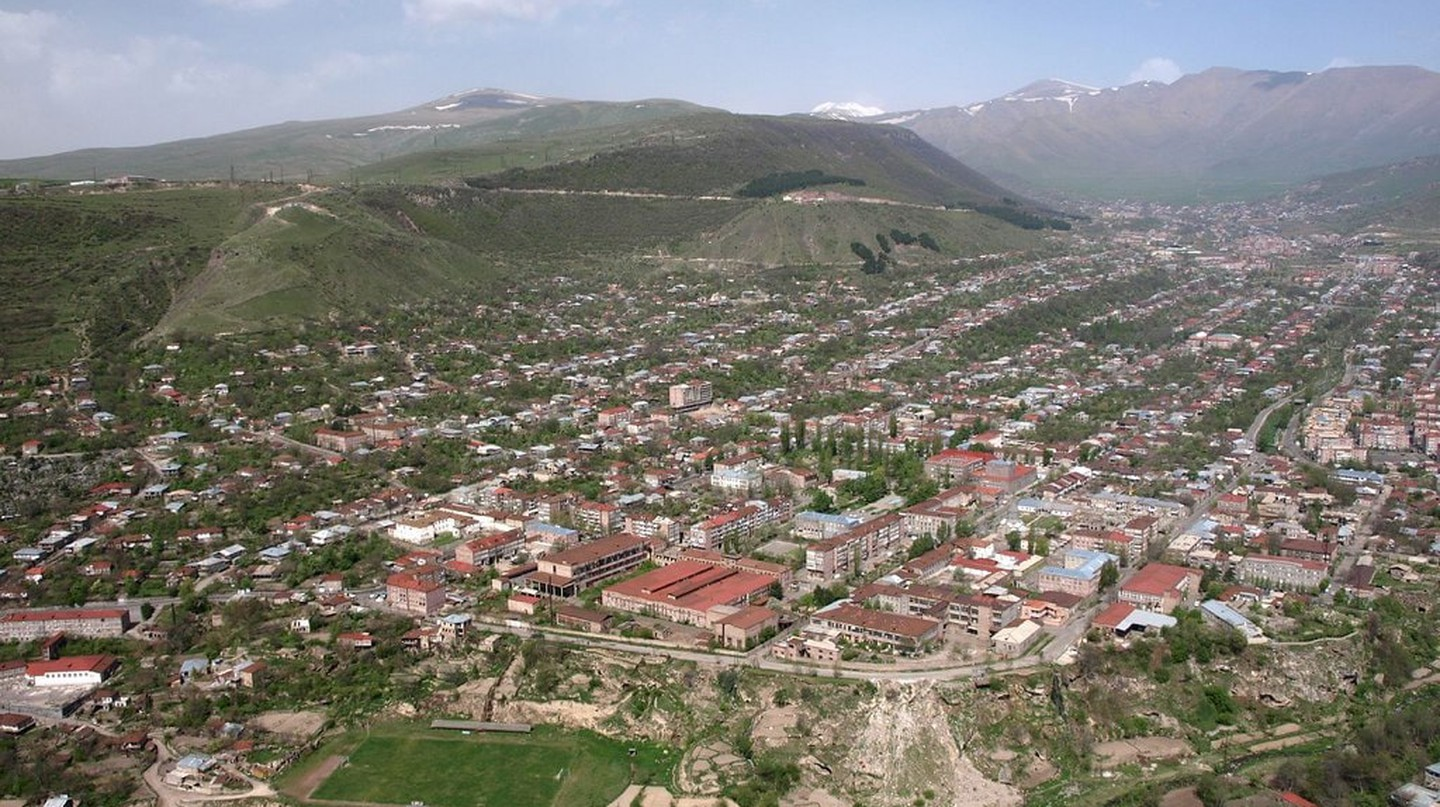 View of town Goris | © Slengfjes / WikiCommons