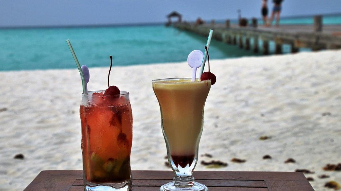Cocktails on a tropical beach
