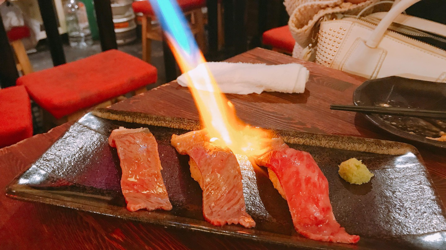Blowtorched Salmon Nigiri Sushi | © Magical Trip