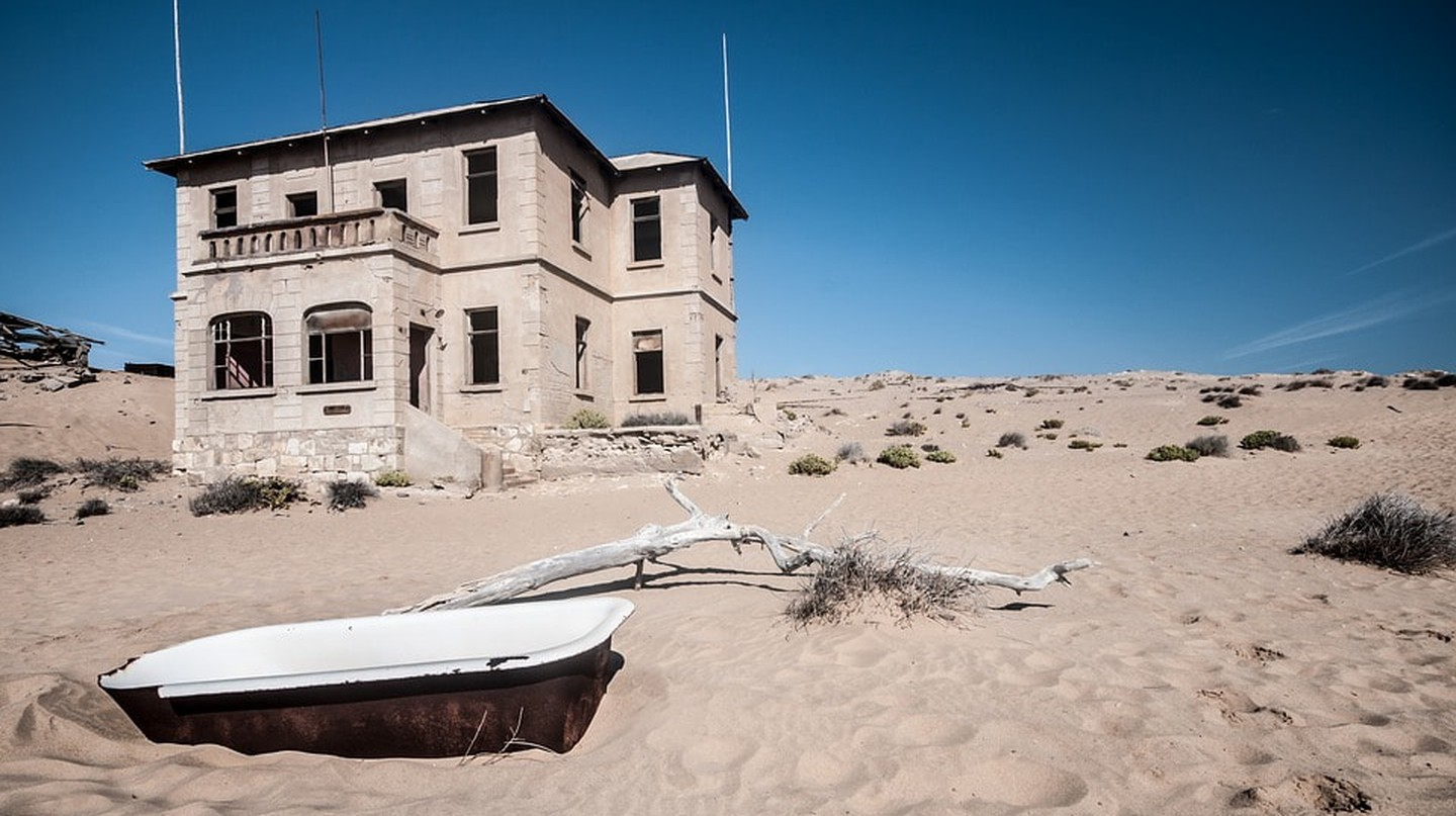Situated just 10km (6 miles) inland from the port of Luderitz, Kolmanskop is famous for its abandoned buildings drowning in sand dunes