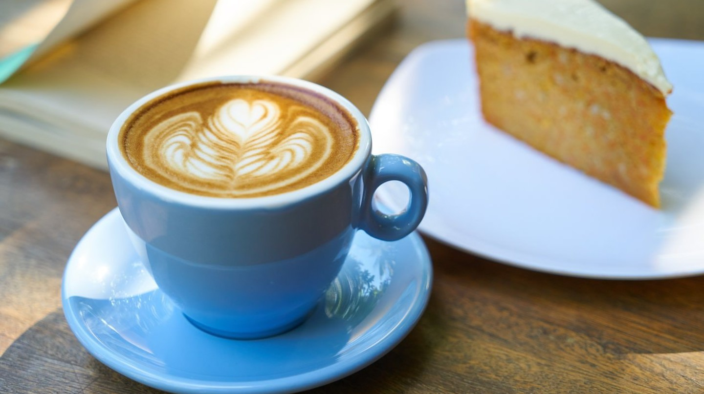Coffee with a slice of cake