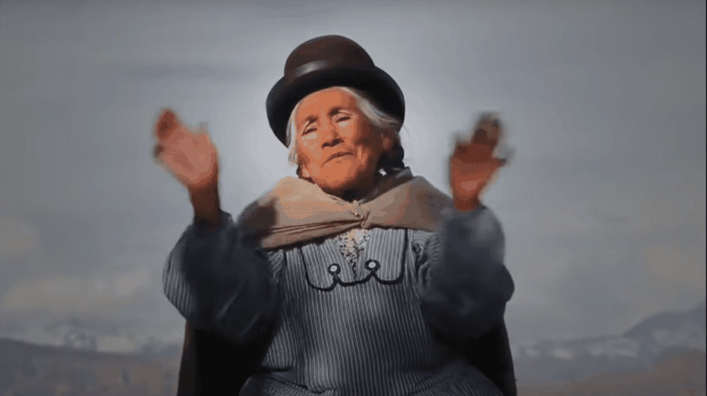 This Bolivian Grandma's Chicken Soup Video Has Gone Viral for All the Right Reasons