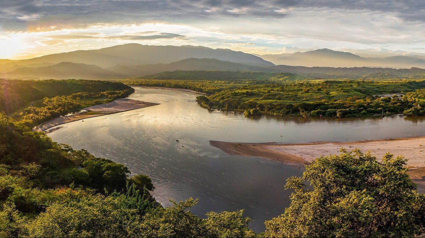 The immensity of the Magdalena River in Colombia