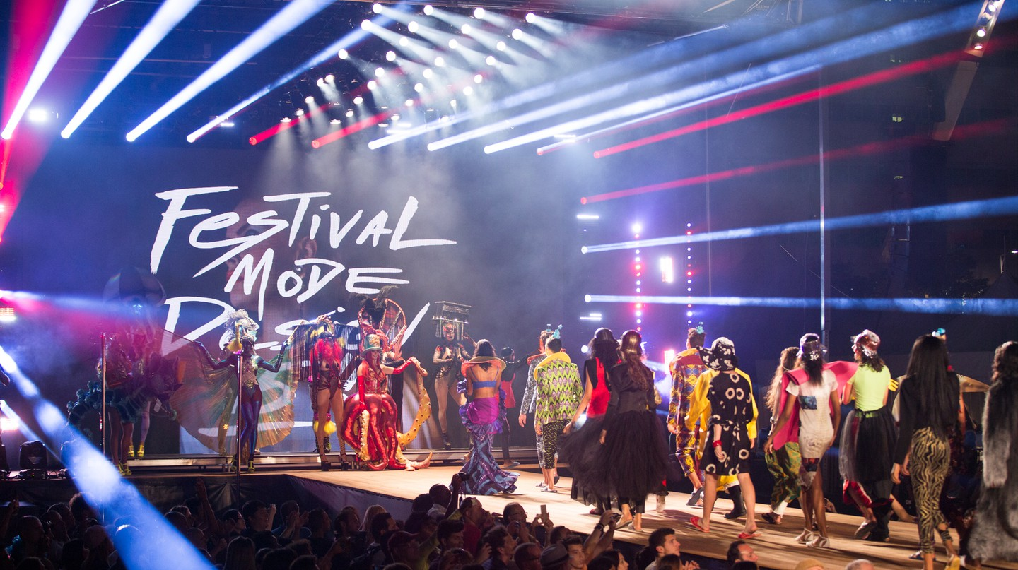Runway presentation from Festival Mode & Design 2017