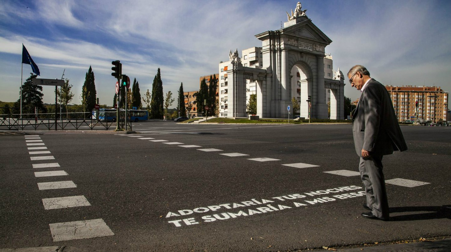 'Versos al paso' will paint poems onto Madrid's pedestrian crossings