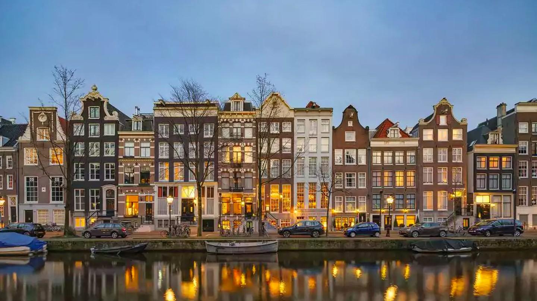 Ambassade Hotel stands inside ten historic townhouse on Prinsengracht canal